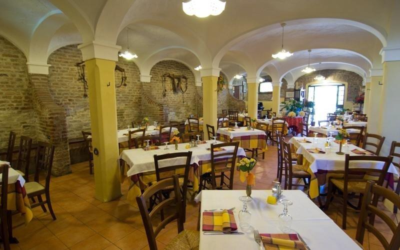 Ampio salone ristorante - La stalla