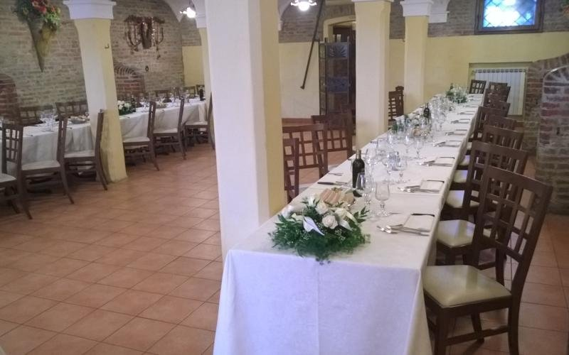Flowers spouses table Restaurant Ferrara LA STALLA