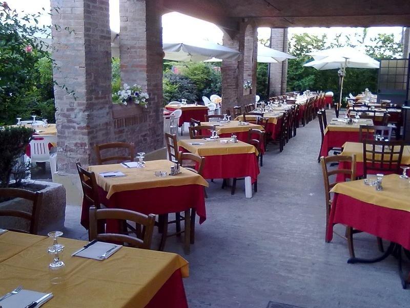 Tables restaurant La Stalla