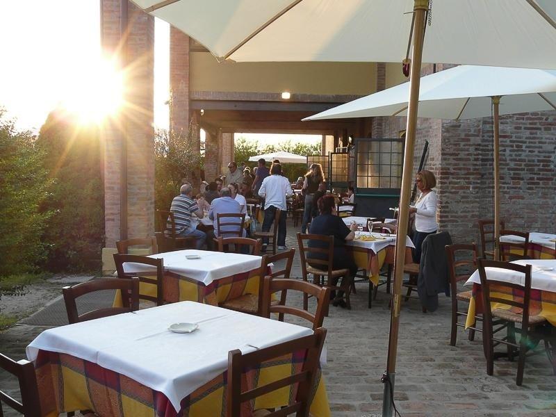 Outdoor area Pizzeria LA STALLA