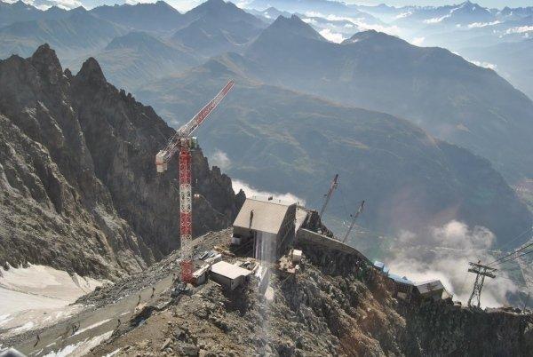 cantiere rifugio Torino in Valle d'Aosta