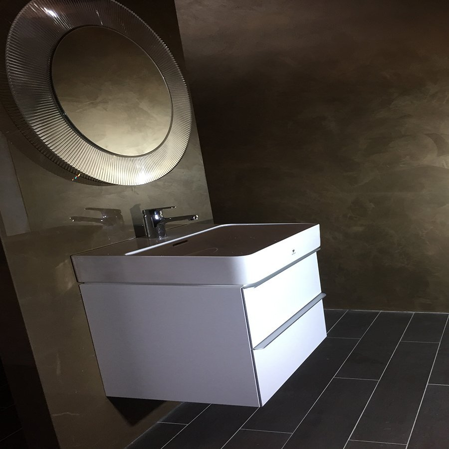 fancy bathroom in gold and white