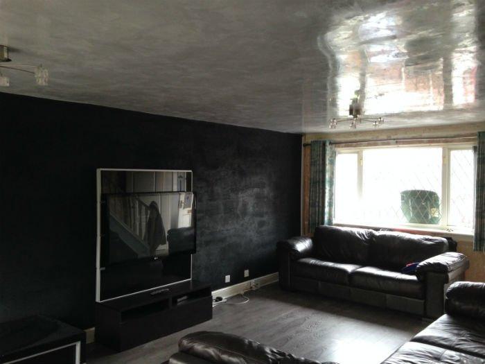 venetian plastery grey and black minimalist room