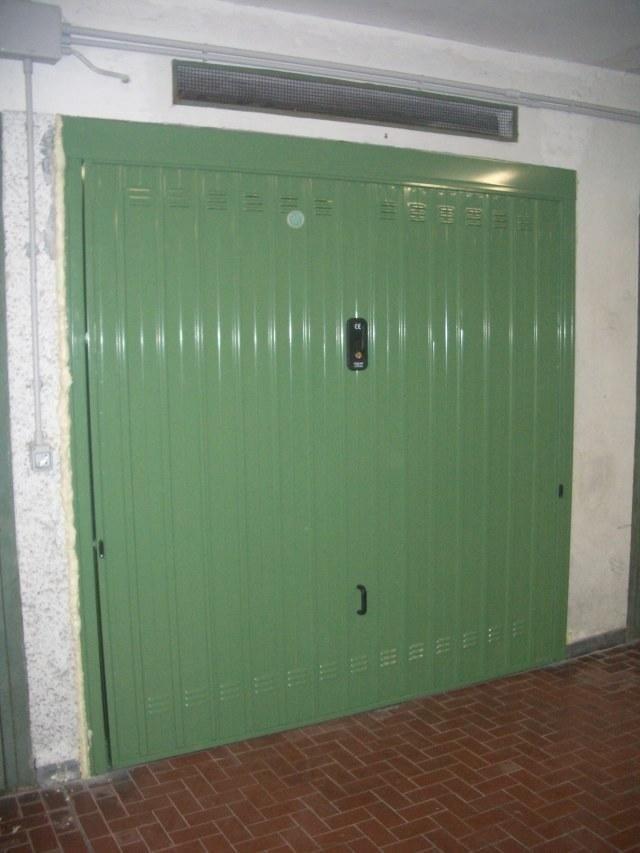 Porta basculante box verde genova