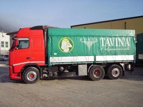 Consegna acqua minerale nel Nord Italia.