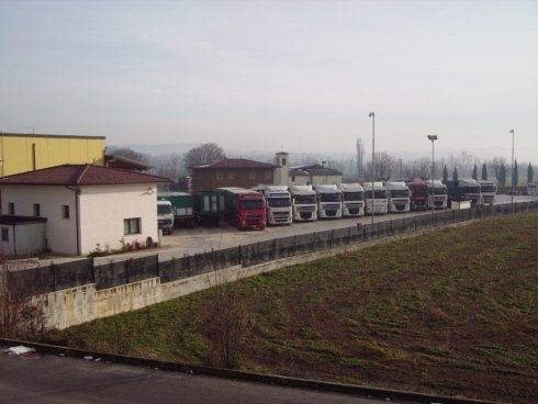 Autotrasporti F.lli Baldi dispone di un parco macchine di 13 mezzi.