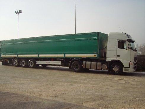 Trasporto rottami e altri materiali nel Nord Italia.