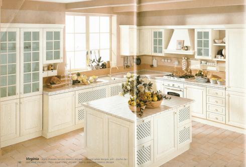 Cucina moderna in stile antico