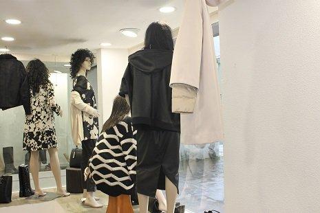 Maglioni in esposizione alla Boutique Franca