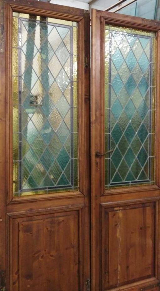 porta con vetrate lavorate