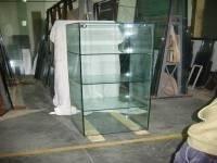 lavori in vetro per negozi