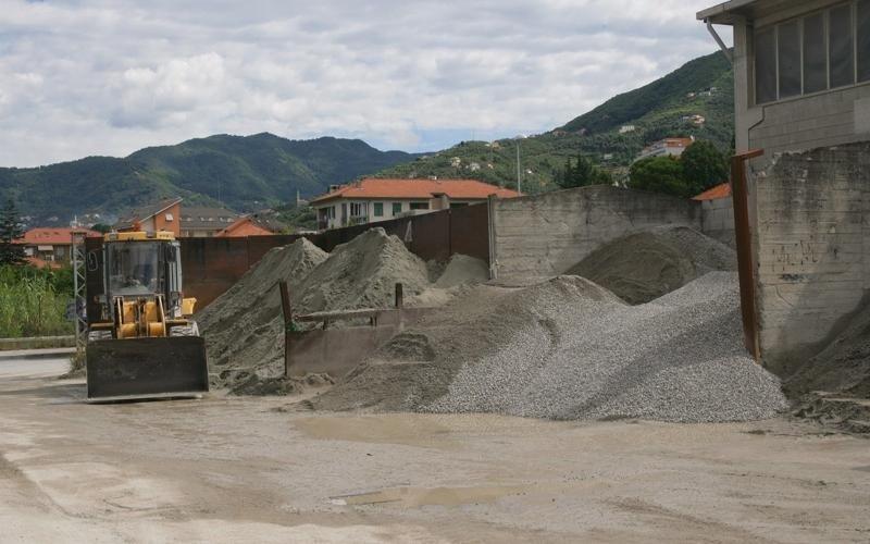 Commercio materiale edile lavagna