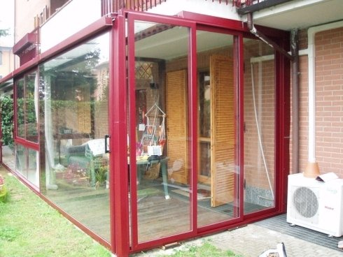 verandina in acciaio e vetro