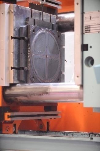 Macchina per la fabbricazione delle guarnizione