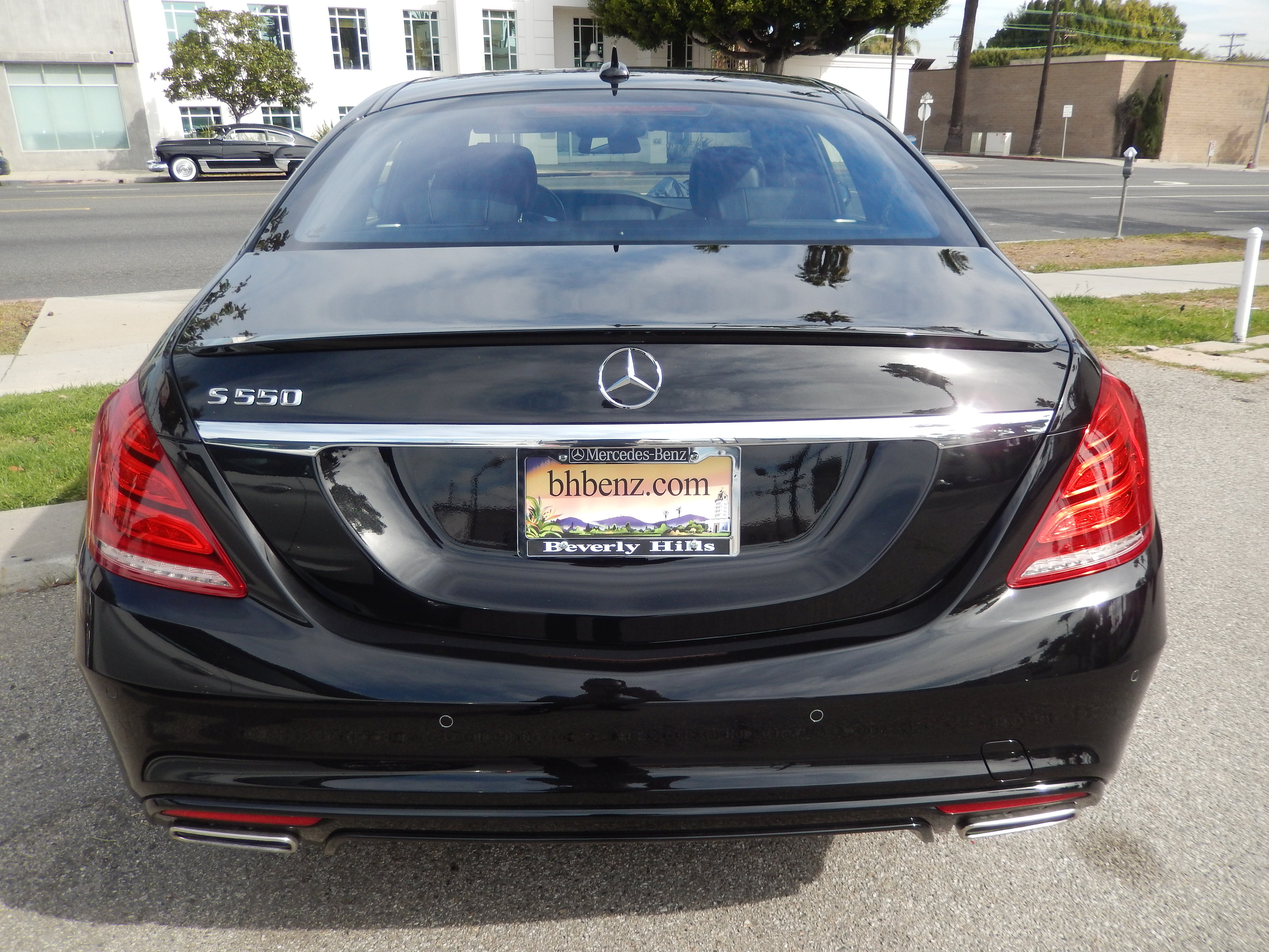 Mercedes benz s550 rental in los angeles for Where can i rent a mercedes benz