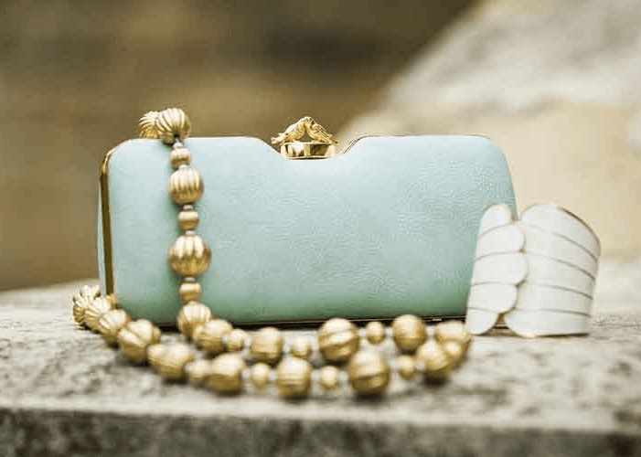 wholesale sales of designer handbags