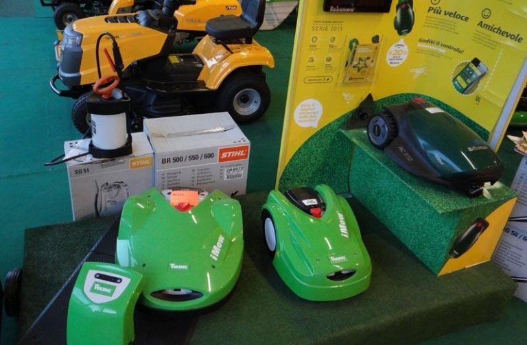 robot giardinaggio