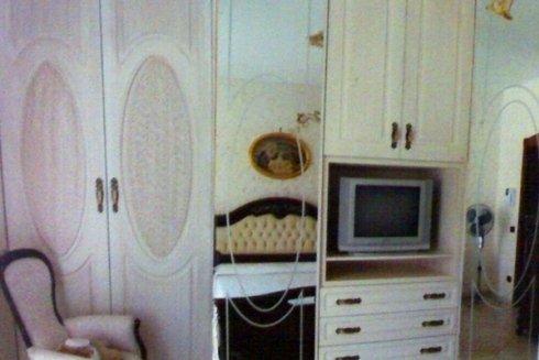 camera da letto in stile classico in legno decapato