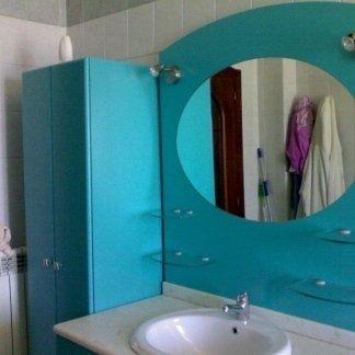 mobile bagno in multistrato laccato, specchio ovale