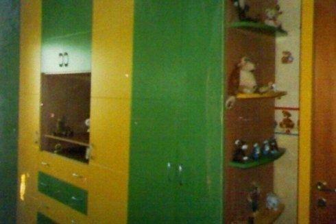 cameretta su misura in legno colorato