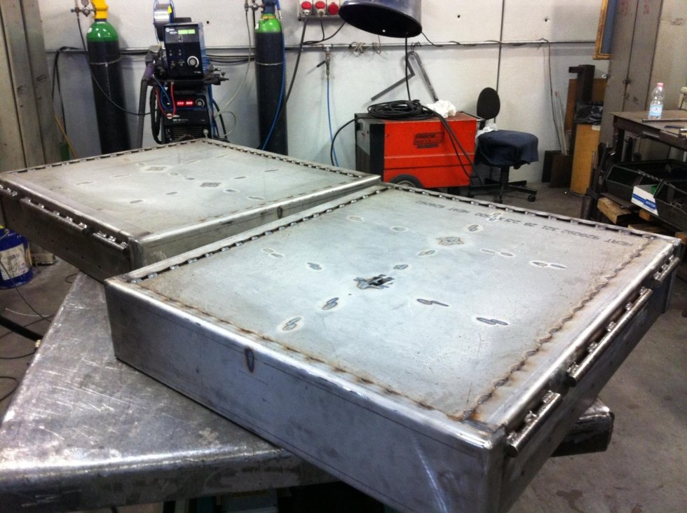 ais stainless steel tops