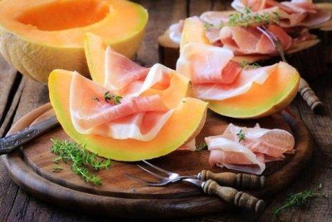 prosciutto e frutta