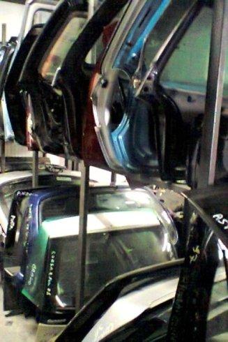 portiere auto di ricambio