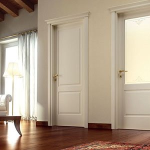 due porte da interno di color bianco