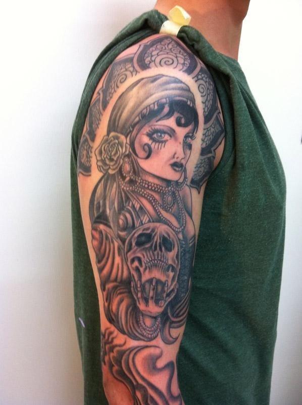 sutto-monya-tattoovari