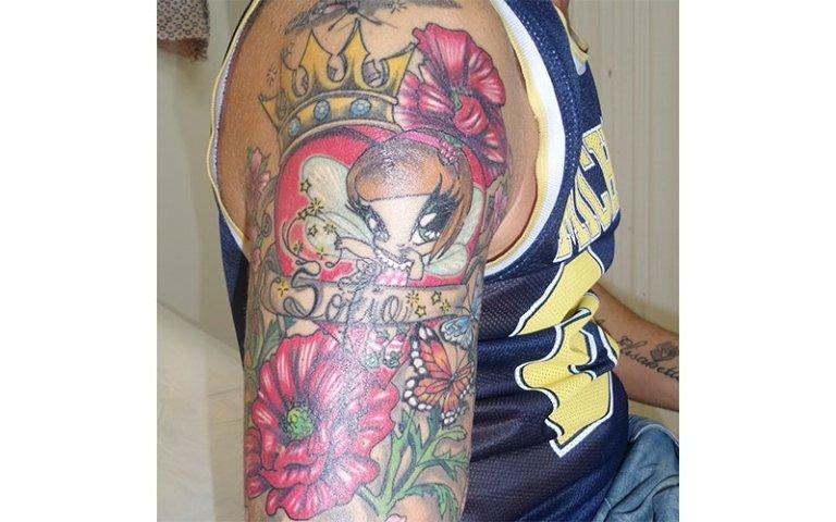 braccio tatuato