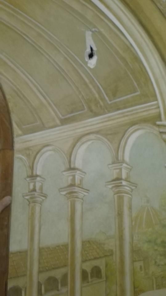 Piccolo restauro di un dipinto trompe l'oeil
