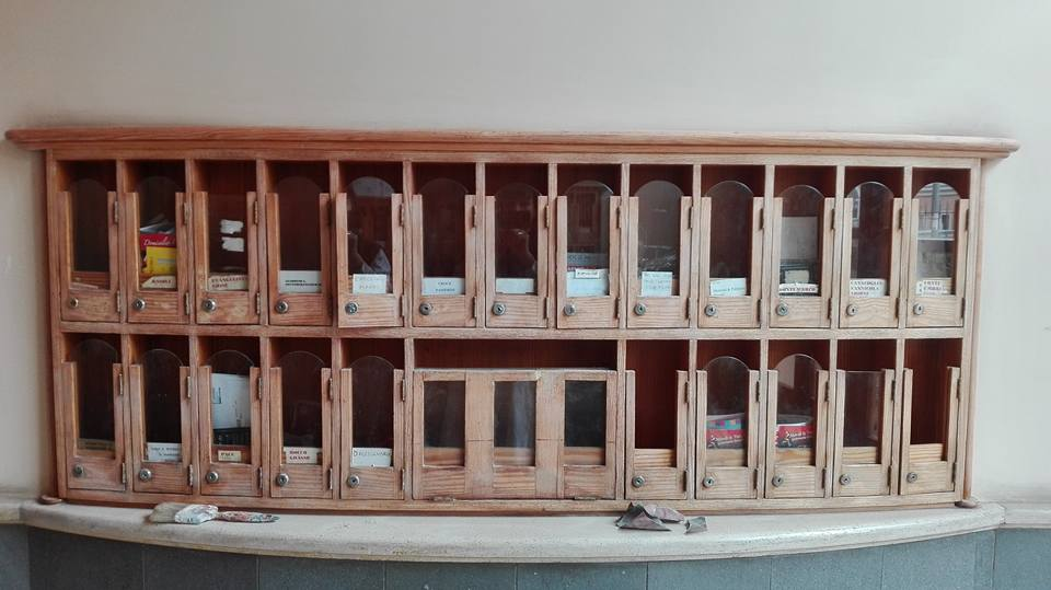Restauro cassetta postale