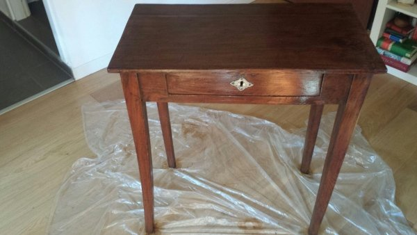 Restauro tavolino antico