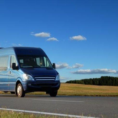 Disponibili minibus per trasporti aereoportuali