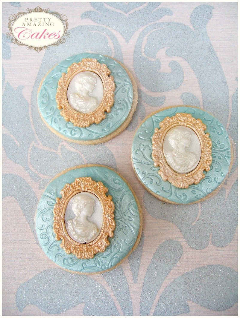 Wedding Biscuit Favours Bristol by Pretty Amazing Cakes