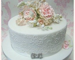 Anniversary and Small wedding cakes Bristol by Pretty Amazing Cakes