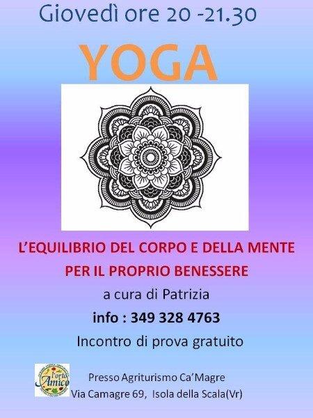 una locandina di un corso di Yoga