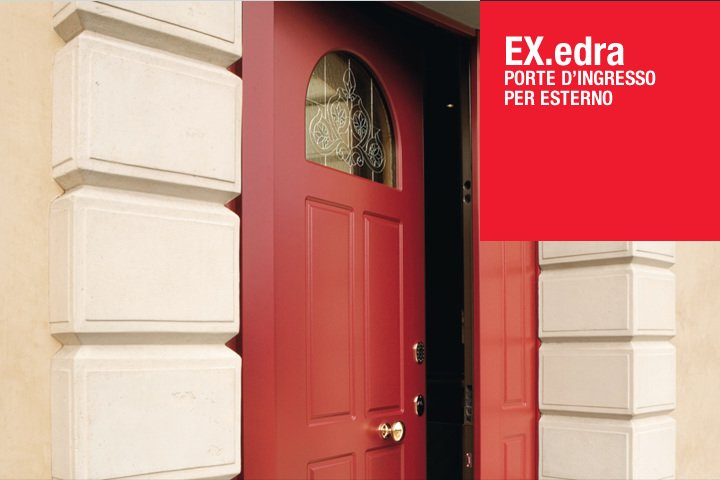 Porte d'ingresso per esterno del marchio Ex.edra combinato di legno e di dettaglio di vetro lavorato nella parte superiore con forma di mezzo circulo