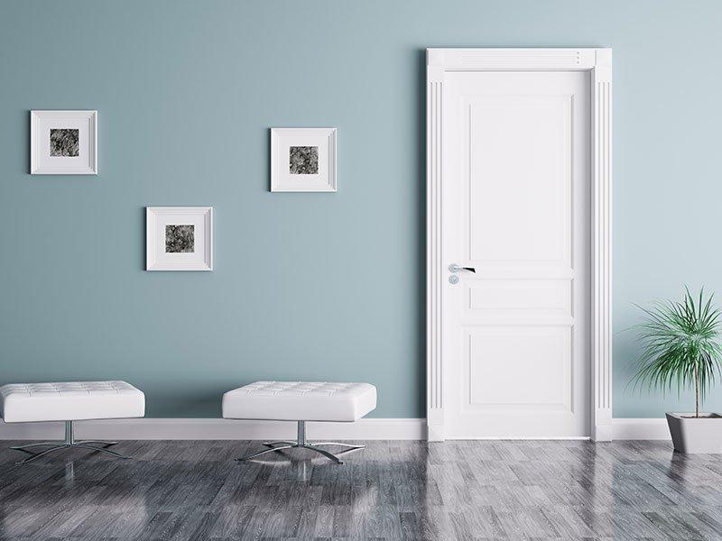 Elegante porta di Pvc bianco con quadro dello stesso materiale