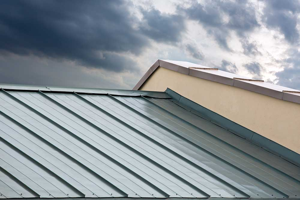 Metal Roofs Are Among The Most Used Roofs. This May Be Due To The Many  Benefits They Offer To Homeowners And Commercial Buildings.