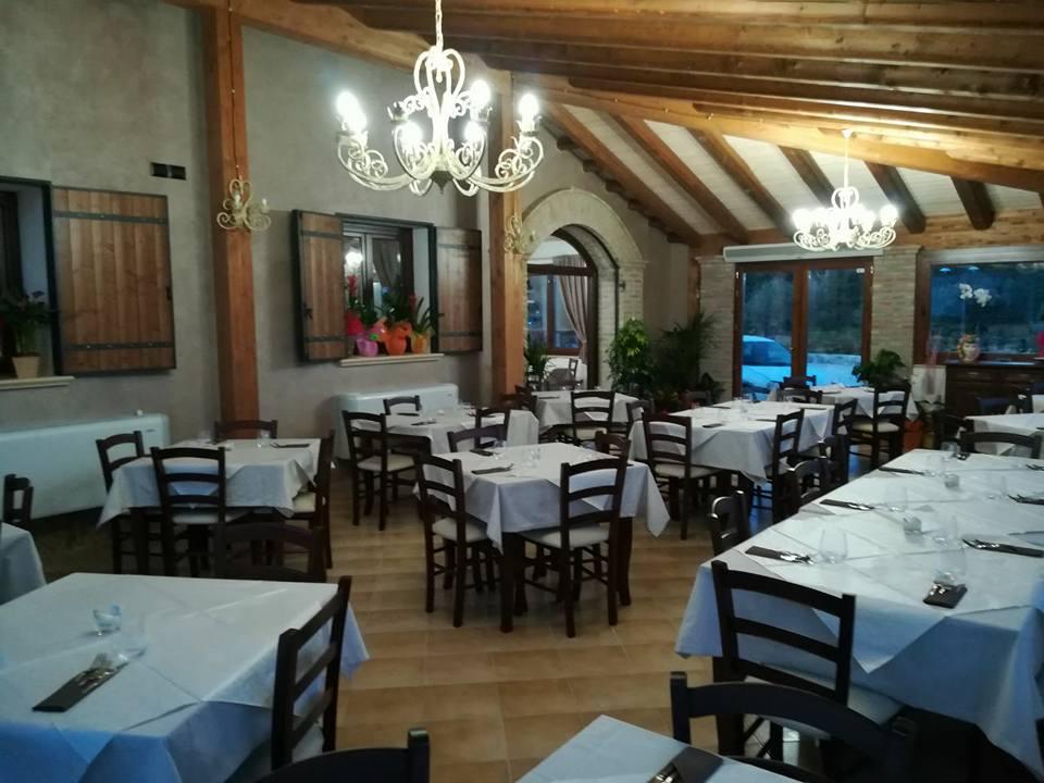 Interni del ristorante Buonanotte Resort