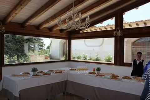 Un angolo del ricco buffet del ristorante