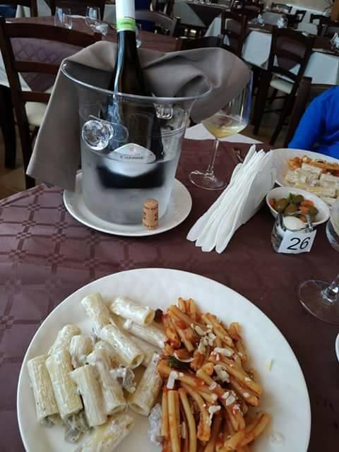 Un piatto tipico siciliano offerto dall'agriturismo