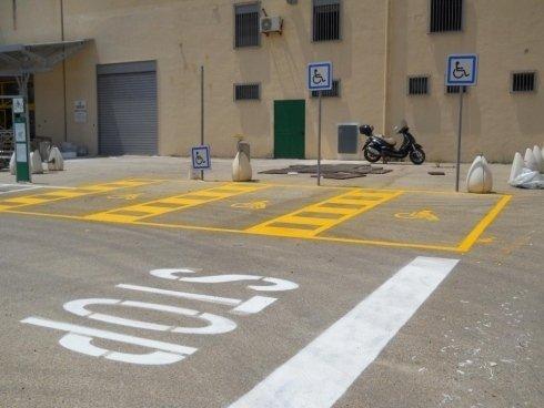 Accessori alla segnaletica stradale