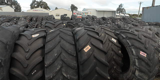 huge sized tyres
