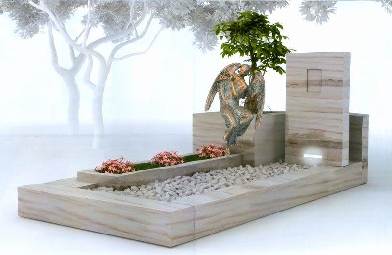 esempio di tomba con statua di angelo