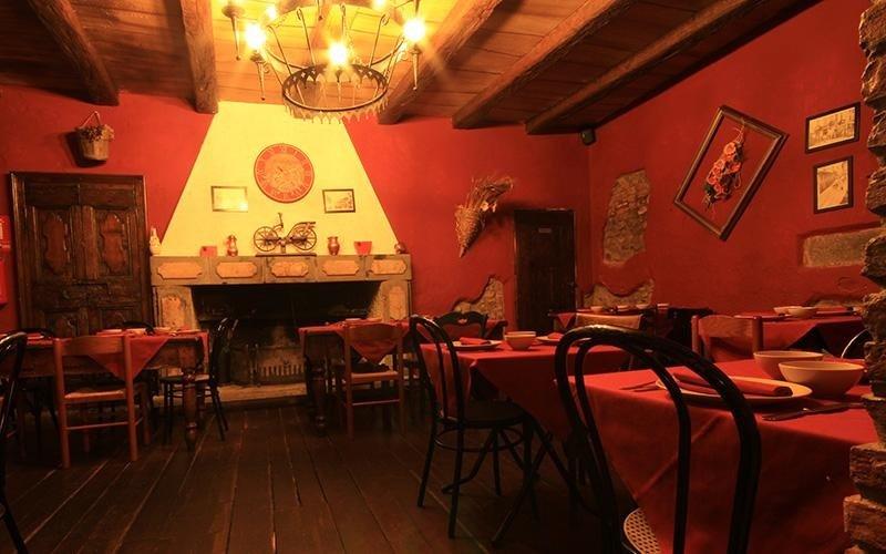 http://www.lamescita.it/il-ristorante.html
