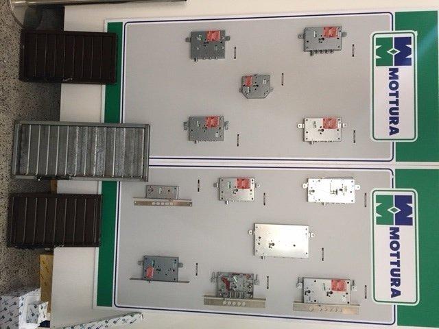 Vari modelli di serrature di sicurezza