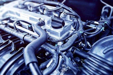 Riparazione motore camion