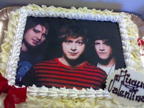 torta con disegno rock band